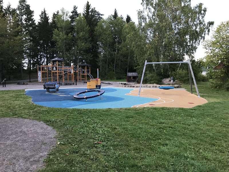 Rörparkens lekplats i Storvreta