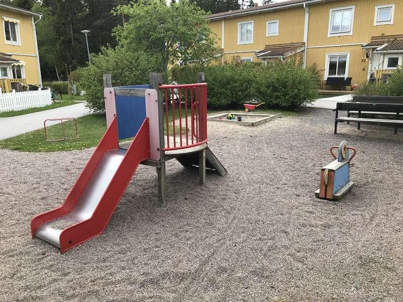 Lekplats på Åskmolnsvägen i Storvreta